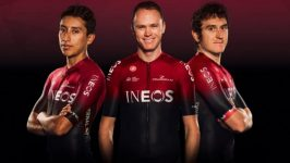 Il team Ineos decide di non cambiare i colori del kit