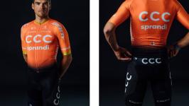 Rivedi la storia del design dell'abbigliamento da ciclismo del team CCC
