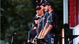 Vuelta a España: triumvirato di Ineos intatto nonostante la perdita di tempo di Adam Yates